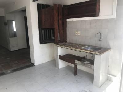 2 dormitorios a pasos del Liceo 1, patio soleado con churrasquera