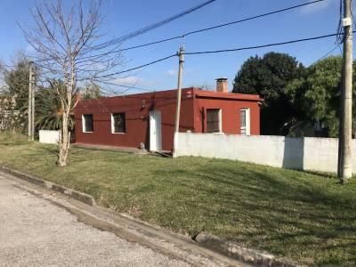 Casa en San carlos 2 dormitorios, cercano Escuela Agraria