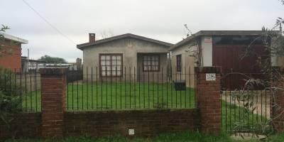Linda casa 2 dormitorios, estufa a leña, churrasquera, garage