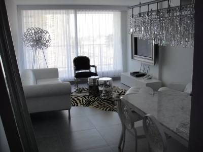 Venta Apartamento 1 Dormitorio y 1/2 en Torre Yoo