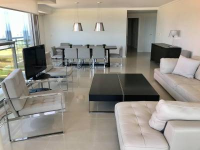 Apartamento en venta/alquiler 3 dormitorios y servicio Torre Imperiale II