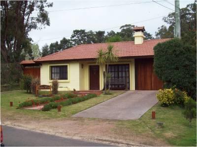 Casa en Cantegril, 3 dormitorios *