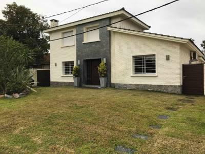 Casa en venta 4 dormitorios zona mansa a estrenar!
