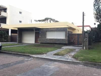 Venta / alquiler casa 3 dormitorios zona mansa
