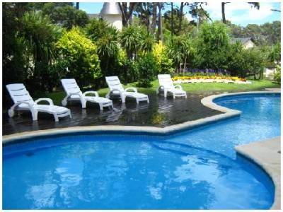 Roosevelt, Punta del Este ! , cómodo y muy Luminoso . lindos muebles!