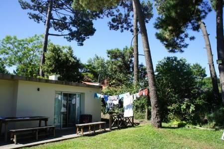 Ubicada en el hermoso barrio de Cantegril, Punta del Este.-