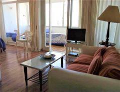 EDIFICIO EN LA MANSA FRENTE AL MAR; apartamento con amplio balcón-terraza cerrado, living-comedor, dormitorio, baño y cocina. CONSULTE !!!!