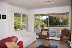En Rincon del Indio a 100 metros del mar, Apto de 2 dormitorios, buena terraza con churrasquero. Consulte!!!!!!