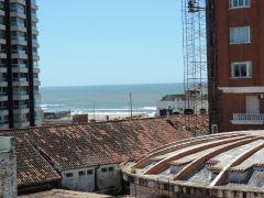 Apartamento en peninsula a una cuadra de la parada 1 mansa, aparte a 1 cuadra de la rambla mansa y a 1 cuadra de la calle 20 (Remanso)