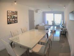 Apartamento de 2 dormitorios 2 baños, en Edificio de buena Categoria en la Brava.