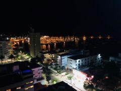 Apartamento Duplex en muy buena ubicacion, de 3 dor, 2 baños y cuenta con excelente vista al puerto. Consulte!!!!!!!