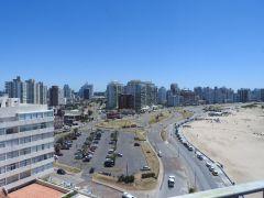 Apartamento en Peninsula con una excelente vista a playa brava