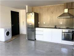 Apartamento cerca de tienda inglesa  muy buena ubicacion, de 1 dor, 1 baños y cochera. Consulte!!!!!!!