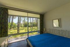 Apto en Arcobaleno con servicios, 1 dormitorio, 1 baño, living-comedor, cocina y terraza al frente. Estacionamiento de cortesia. Consulte!!!!!