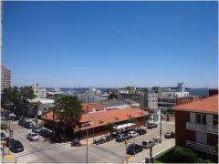 Apartamento en muy buena ubicacion, en la Peninsula de 1 dor, 1 baños, Terraza y garaje. Consulte!!!!!!