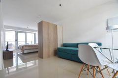 Apartamento en Peninsula a 2 cuadras del Puerto, monoambiente totalmente equipado con balcón! Incluye garage. Consulte!!!!!!