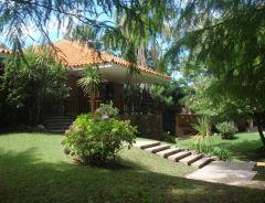 Casa en Solanas de 4 dormitorios, piscina y muy cerca de la playa. Consulte!!!!!!!!!