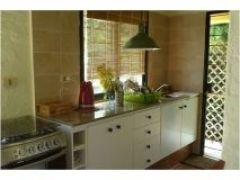 Casa Ph ubicada cerca del mar, de 2 dormitorios, 2 baños, living comedor, Cocina, patio y parrillero. Consulte!!!!!!
