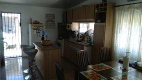 Casa en Maldonado de 2 dormitorios con buen patio, en Altos de la Laguna. Consulte.