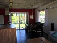 Casa PH en el Tesoro - de 2 dormitorios y 2 baños - 400m2 de terreno Consulte!!!!!!