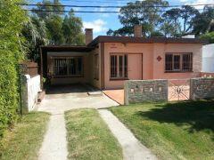 Muy agradable casa a metros de ruta 10 La Barra