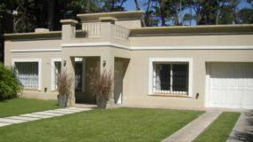 Casa en Punta del Este en barrio San Rafael pronta para disfrutarla.