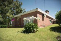 Excelente casa en pinares! solida edificación ideal para vivir todo el año