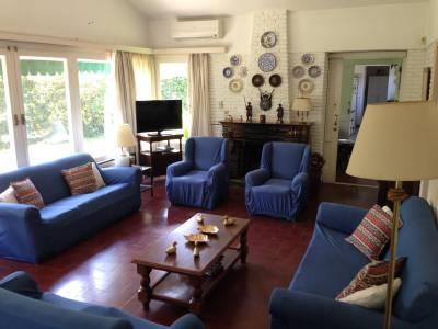 Espectacular casa en zona mansa!! no dude y consulte!!!