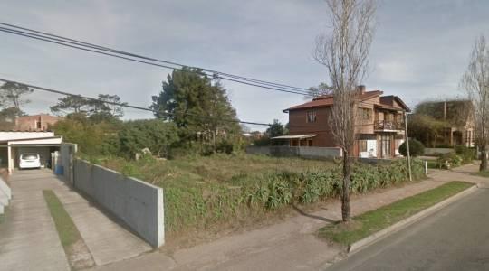 Terreno de 1000 m2 en Las Delicias en avenida principal muy bien ubicado. Consulte!!!!!!!!!