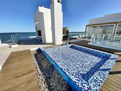 Espectacular Pent House frente al mar en la peninsula!