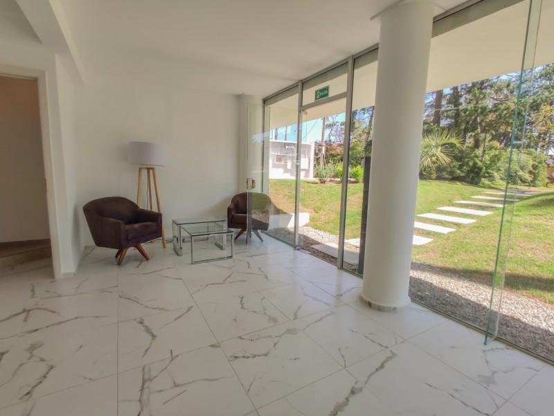 Casa en venta Jardines De Cordoba 4 dormitorios!