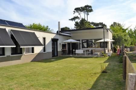 impecable y muy confortable casa, excelente zona cerca de todo