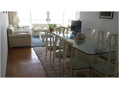 Apartamento 3 dormitorios y dependencia de servicio amplios ambientes