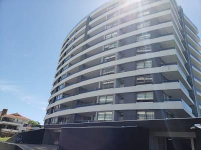 Oportunidad - Venta - Aidy Grill - Torre de categoria - 2 dormitorios y dependencia