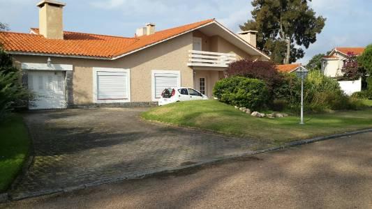 Casa excelente Ubicación Financia 2366 mts de Terre.