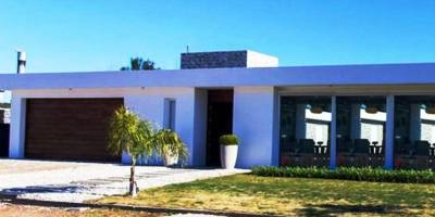 Casa en barrio La  Residence
