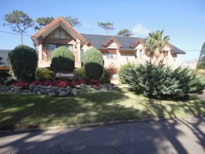Hermosa casa a una cuadra de la mansa buena ubicación: