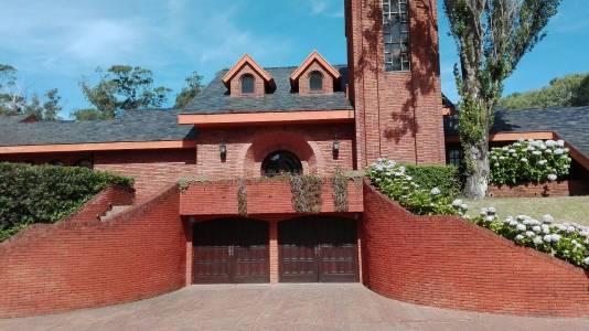 Importante casa en la zona de Beverly Hills con gran jardin y piscina