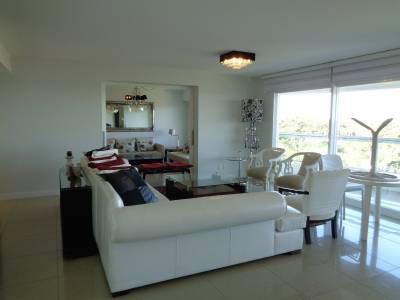 Apartamento en Mansa, 4 dormitorios *