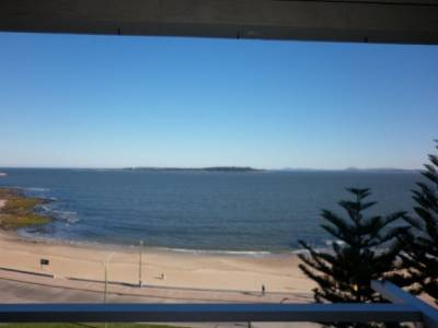 A pasitos de Gorlero, frente al mar, en zona de paradas!!!!!