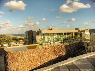 Departamento de 2 dormitorios en Punta Ballena, excelente vista