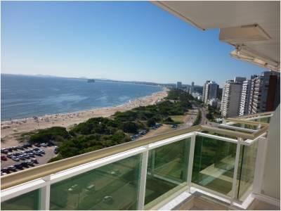 Apartamento en Torre Premium Frente al mar