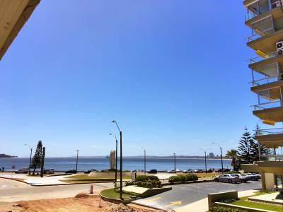 Apartamento para 3 personas a metros de Playa Mansa