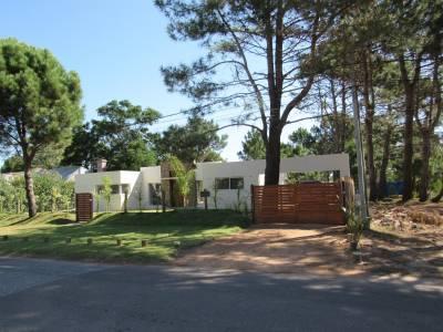 Moderna casa en la Barra a estrenar