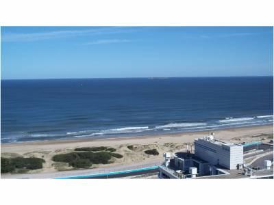 Apartamento en Venta y Alquiler, Aidy Grill, Punta del Este, 3 Dormitorios.