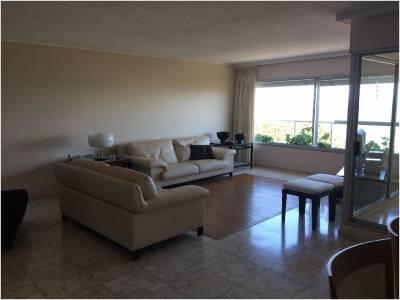 Apartamento en Venta y Alquiler, Mansa, Punta del Este, 3 Dormitorios.