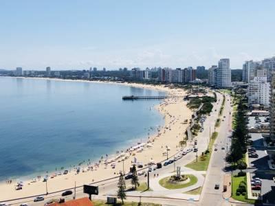 apartamento en un piso 13 vista hacia las mejores playas de punta
