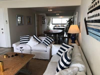 Apartamento en venta con vista al mar