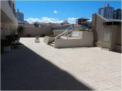 Apartamento en venta y alquiler  en Punta del Este