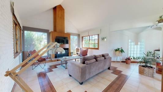 Casa importante en venta en zona Cantegril